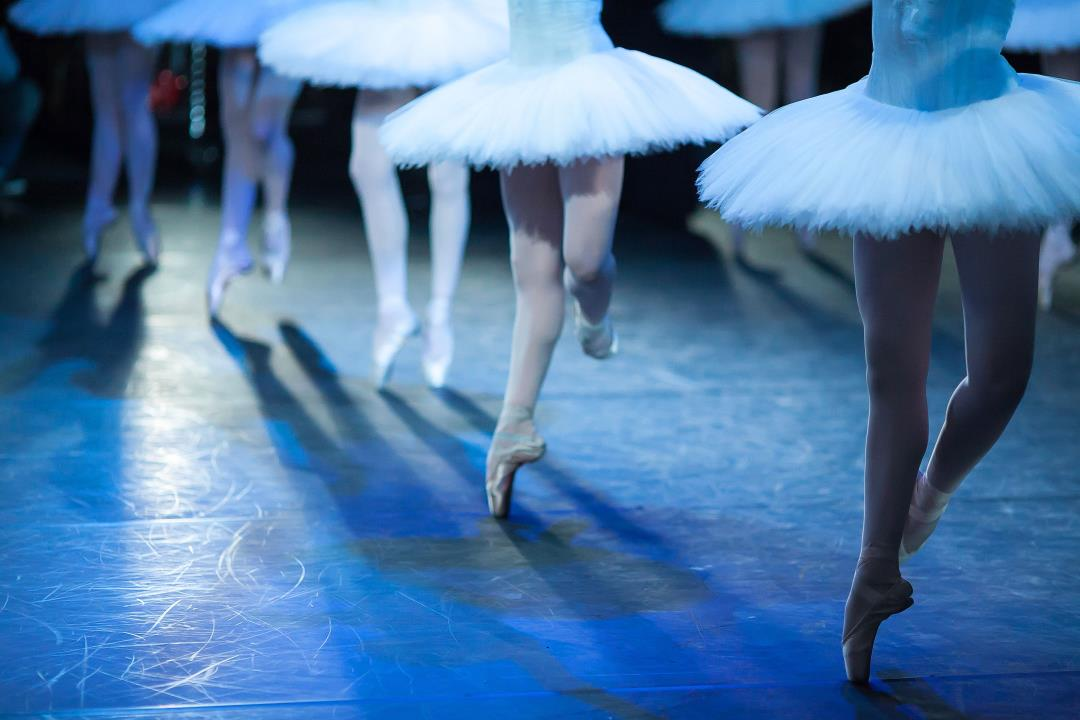 NYC Ballet must rehire 2 men fired over nude photos | CTV News