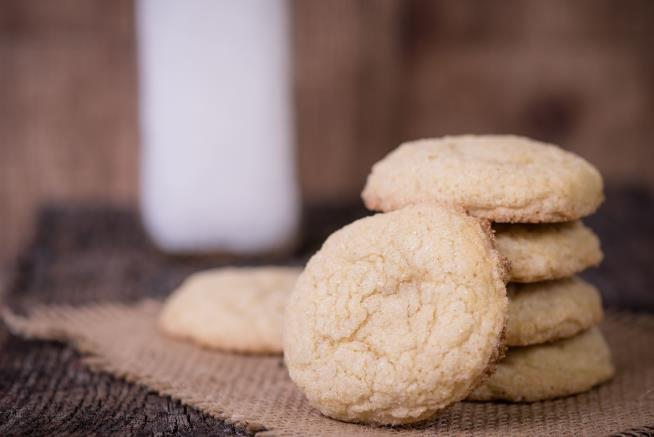 Girl baked cookies with grandmother's ashes then shared with classmates