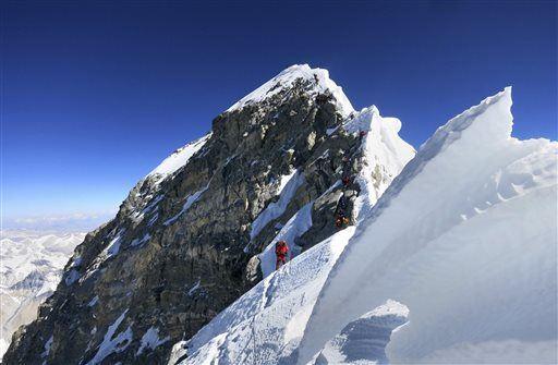 American Climbs Everest, Dies in Return 'Traffic Jam'
