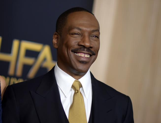 Eddie Murphy to host 'Saturday Night Live' for first time since 1984