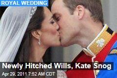Royal Wedding: Prince William, Kate Middleton Kiss on Buckingham Palace Balcony