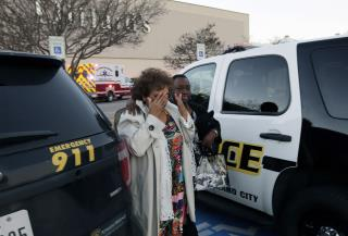 1 Dead, 5 Hurt in Mall Robbery 'Gone Really, Really Bad'