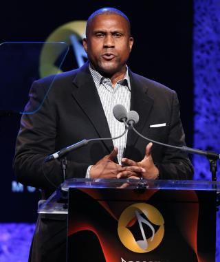 PBS Says Tavis Smiley Needs to Get His 'Story Straight'