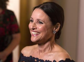Julia Louis-Dreyfus, Master of 'The Shove'