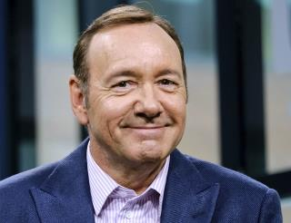 Kevin Spacey's Latest Move: Pizza for Paparazzi