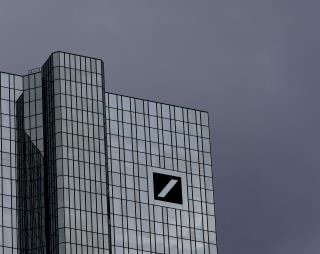 Deutsche Bank to Trim Trading, Cut 18,000 Jobs in Overhaul
