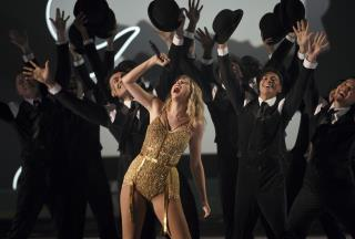 Taylor Swift Smashes Michael Jackson's AMAs Record