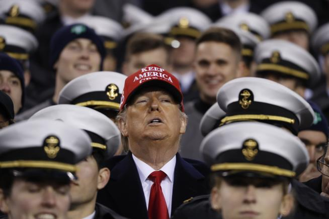 Trump Attends Army Navy Game Delivers Big News Newser Mobile