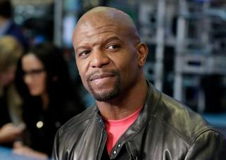 Terry Crews Takes Bended Knee on Twitter
