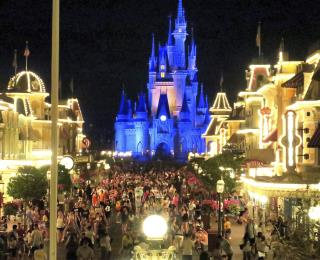 Man Dies of Coronavirus Weeks After Disney Trip