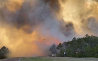 'Five Mile Swamp Fire' Rages in Florida