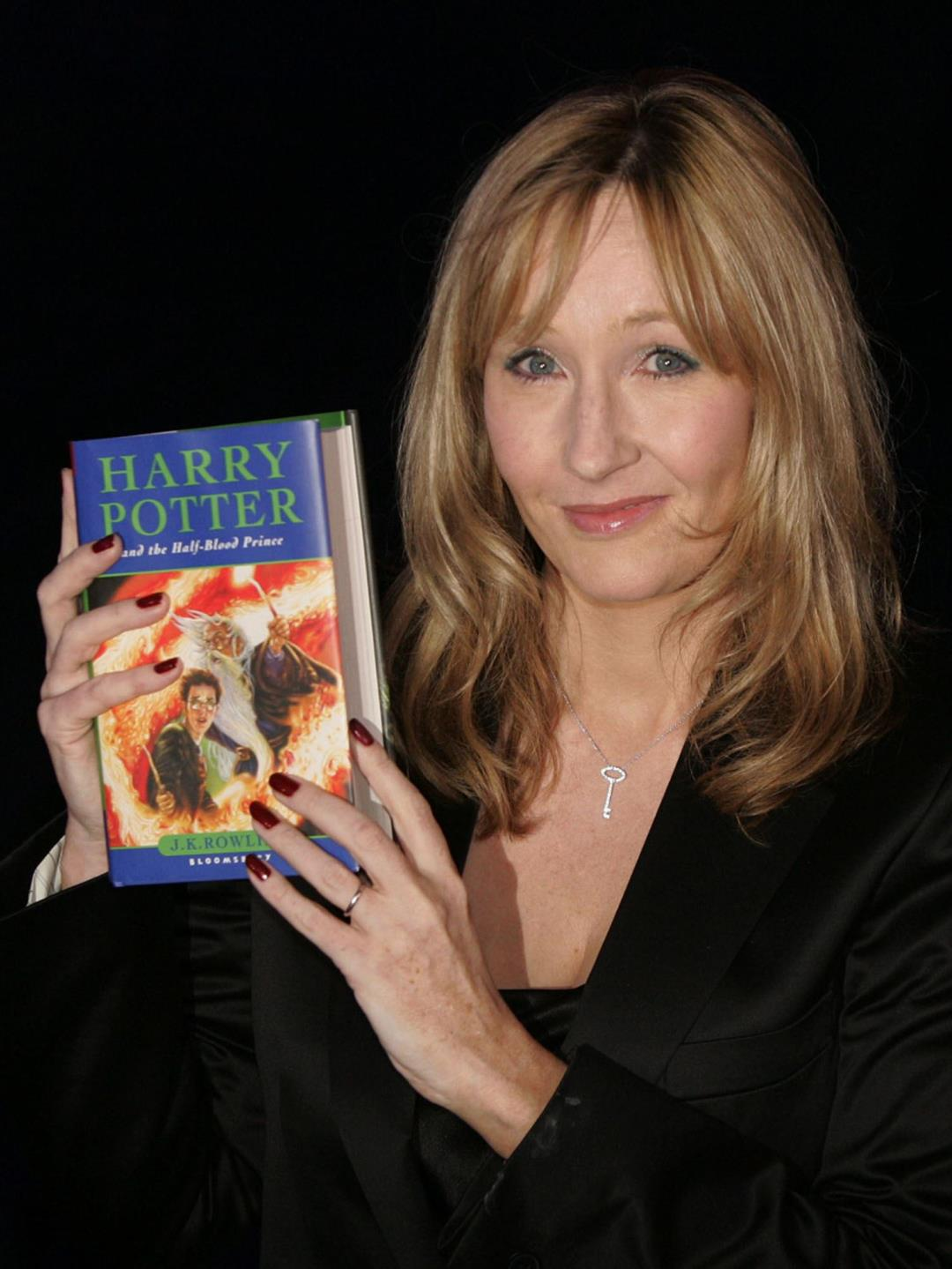 Harry Potter Fan Sites Are Backing Away From JK Rowling thumbnail