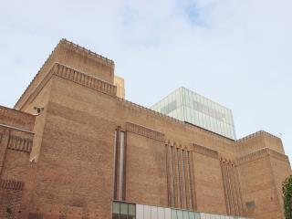 Update on Boy Thrown From Tate Modern Has Mixed News