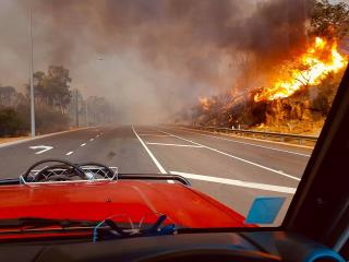 Australia Bushfire Burning Out of Control Near Perth