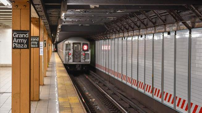 The Air in Subway Stations Is as Bad as You Think