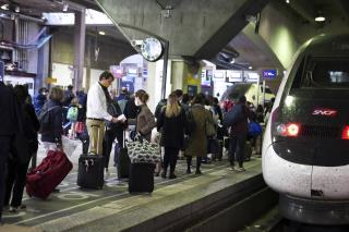 France Looks to Ban Flights Where Short Train Ride Exists