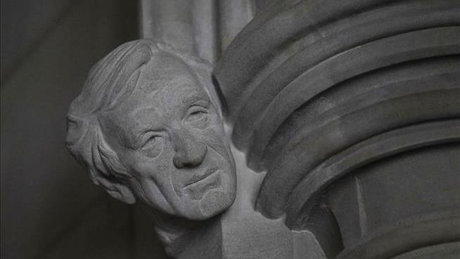 At National Cathedral, a Notable New Face