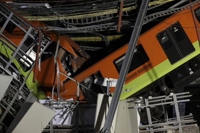 'Loud Thunder' on Mexico City Subway, Then a 16-Foot Plunge
