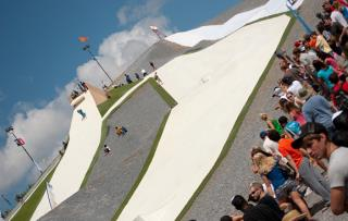 University Ski Slope Aims to 'Bring People to Christ'