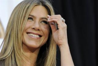 Jennifer Aniston to Go Topless