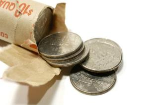 Grocery Store Wouldn't Let Me Pay in Quarters: Woman