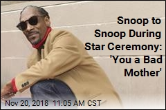 Snoop Dogg Gets Hollywood Star, Thanks Himself