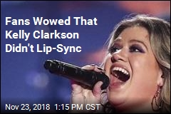 Fans Wowed That Kelly Clarkson Didn't Lip-Sync